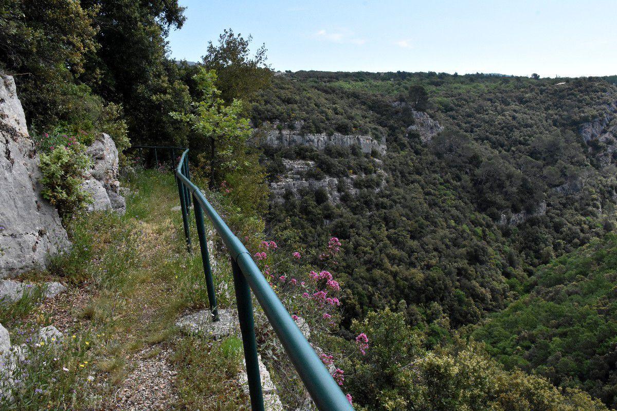 LE SENTIER DU VERTIGE DE LA ROCHE TAILLEE 2 (MONS)