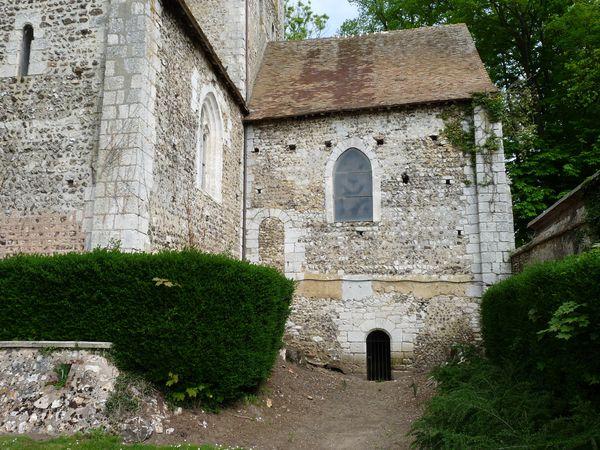 Vue sur les façades extérieures et le (clichés d'Armand Launay, mai et juillet 2013).