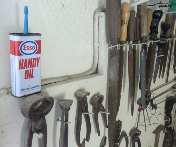 handy oil by Esso