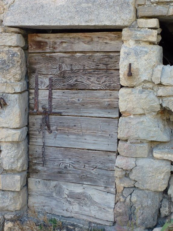 Quelques portes anciennes du village
