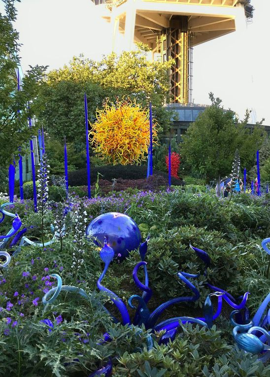 Diaporama : Chihuly Garden and Glass harmonie bleue et mauve