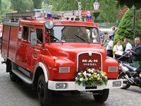 """Historischer Festzug mit 1.000 Teilnehmern Höhepunkt des 150jährigen Feuerwehrfestes - Riesenandrang am Abend bei """"The Jets"""""""