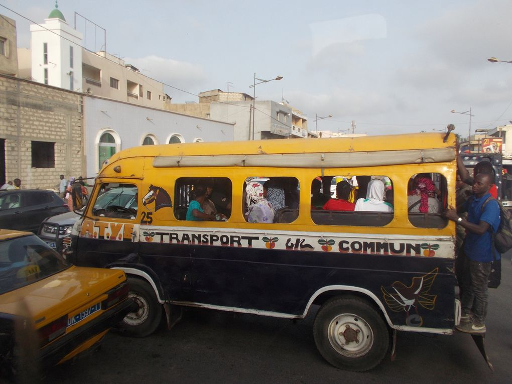 Visit of Dakar, very dusty city but so nice to discover an environment so different from the Asian or the European one.