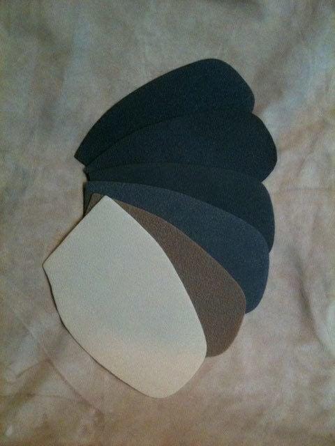 patins de protection d'une épaisseur de 1,5 ou 1,8mm en gomme végétale à base d'hévéa, décliné en 6 coloris.