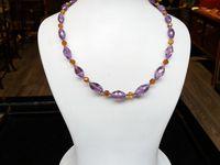Collier en pierres naturelles nommé : bijou de créateur àParis.