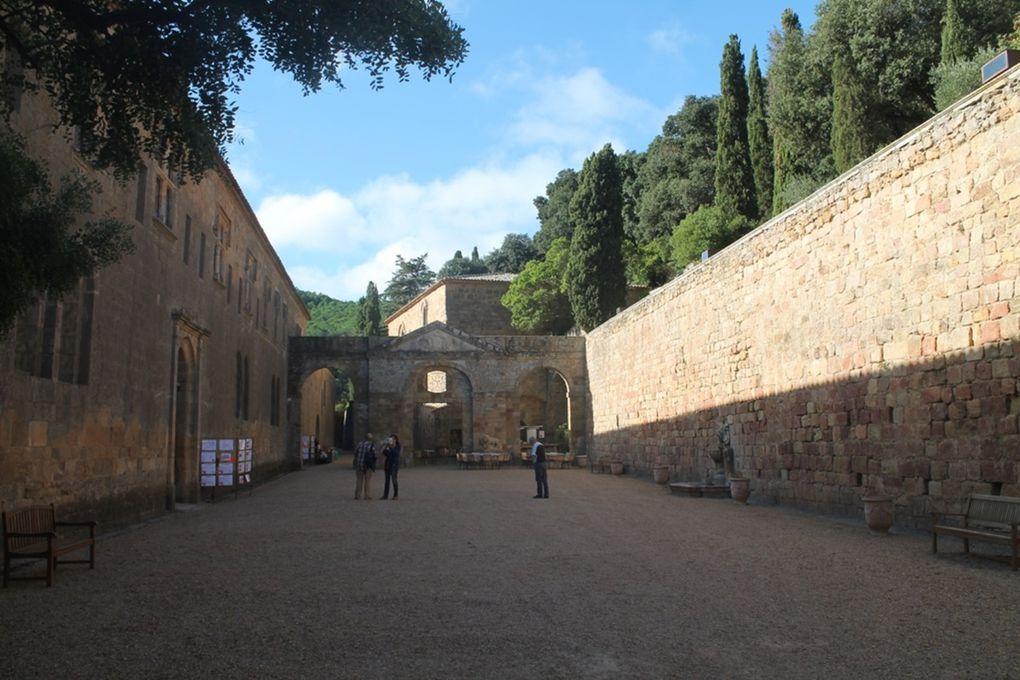 Sur le chemin du retour, l'abbaye de Fontfroide