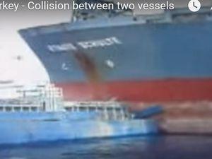 VIDEO - en Turquie, un cargo joue à saute-bateau