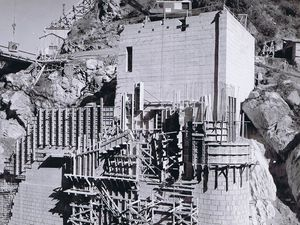 Construction du barrage des Echelles d'Hanibal