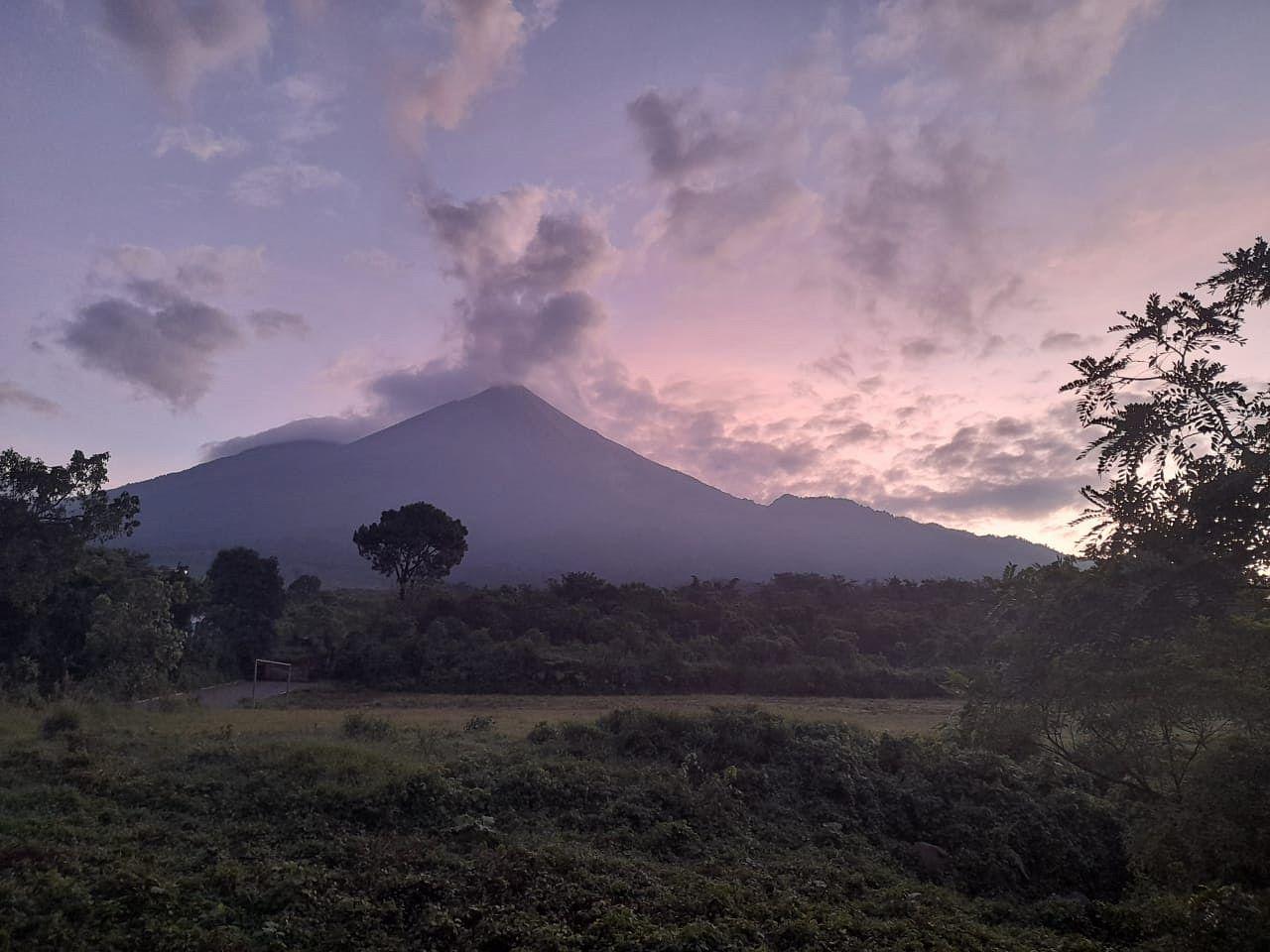 Fuego - fumaroles after the eruptive episode - photo Conred 24.09.2021