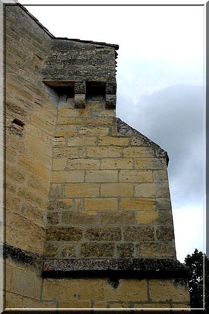 Diaporama église fortifiée de Naujan-et-Postiac