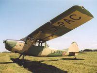 Trois des appareils avant leur passage en CNRAC: Bird dog, Navion et Luscombe.