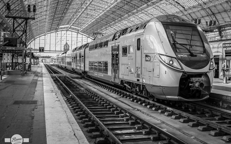 Train Bombardier en gare de Bordeaux St Jean...