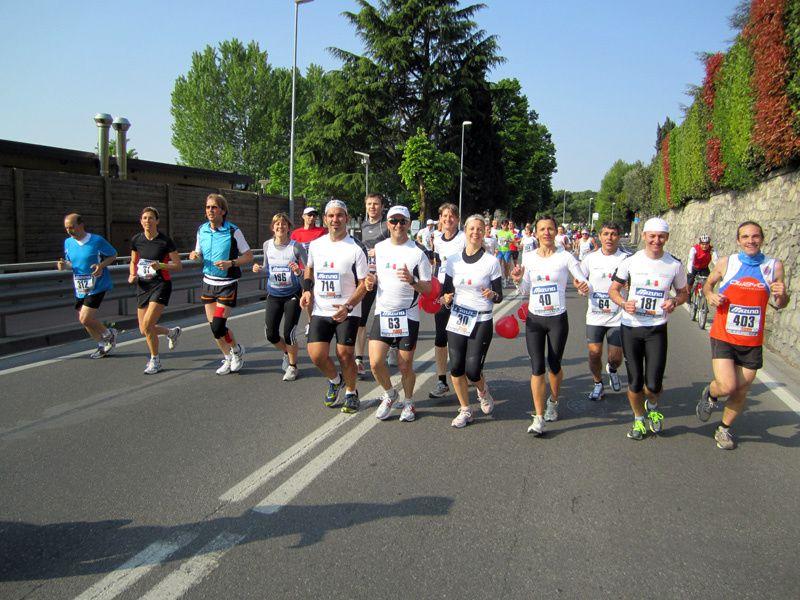 Una corsa di 26 km lungo la riva del Lago d'Iseo. Una galleria d'immagini relative all'edizione n°1 (2011)
