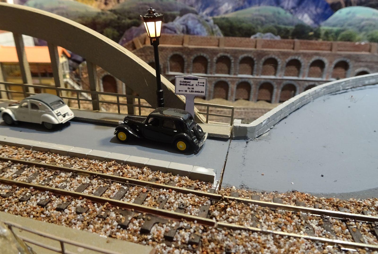 Faire un fond de décor pour les réseaux de trains miniatures 2ème partie