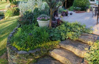 Misterbricolo aménage son jardin en pente ...