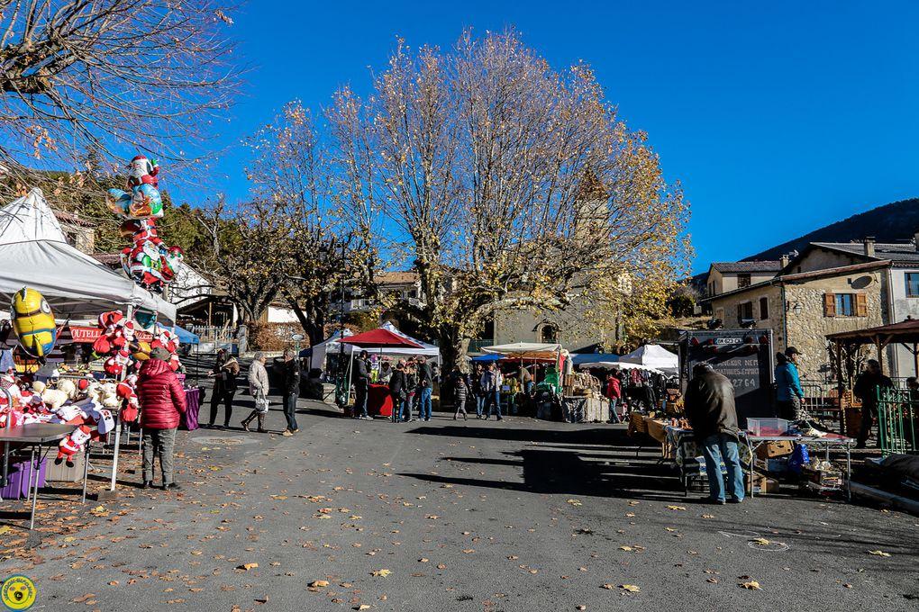 Plusieurs stands étaient tenus par des artisans et artistes  locaux ce qui montre bien la dynamique de la Mure Argens