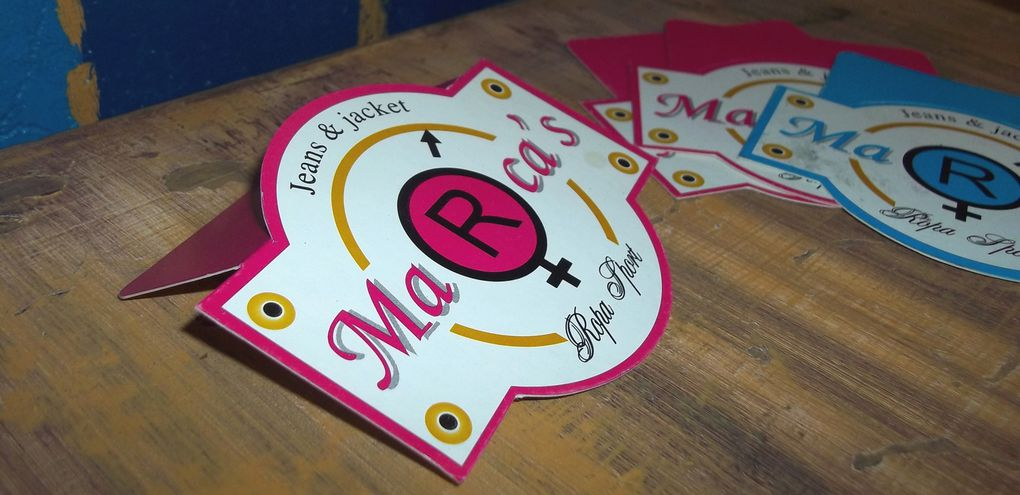 Etiquetas para Ropa, impresas todo color, diferentes medidas y formatos, troqueles especiales, con barniz o sin barniz, con o sin termolaminado, esquinas redondeadas, etc...