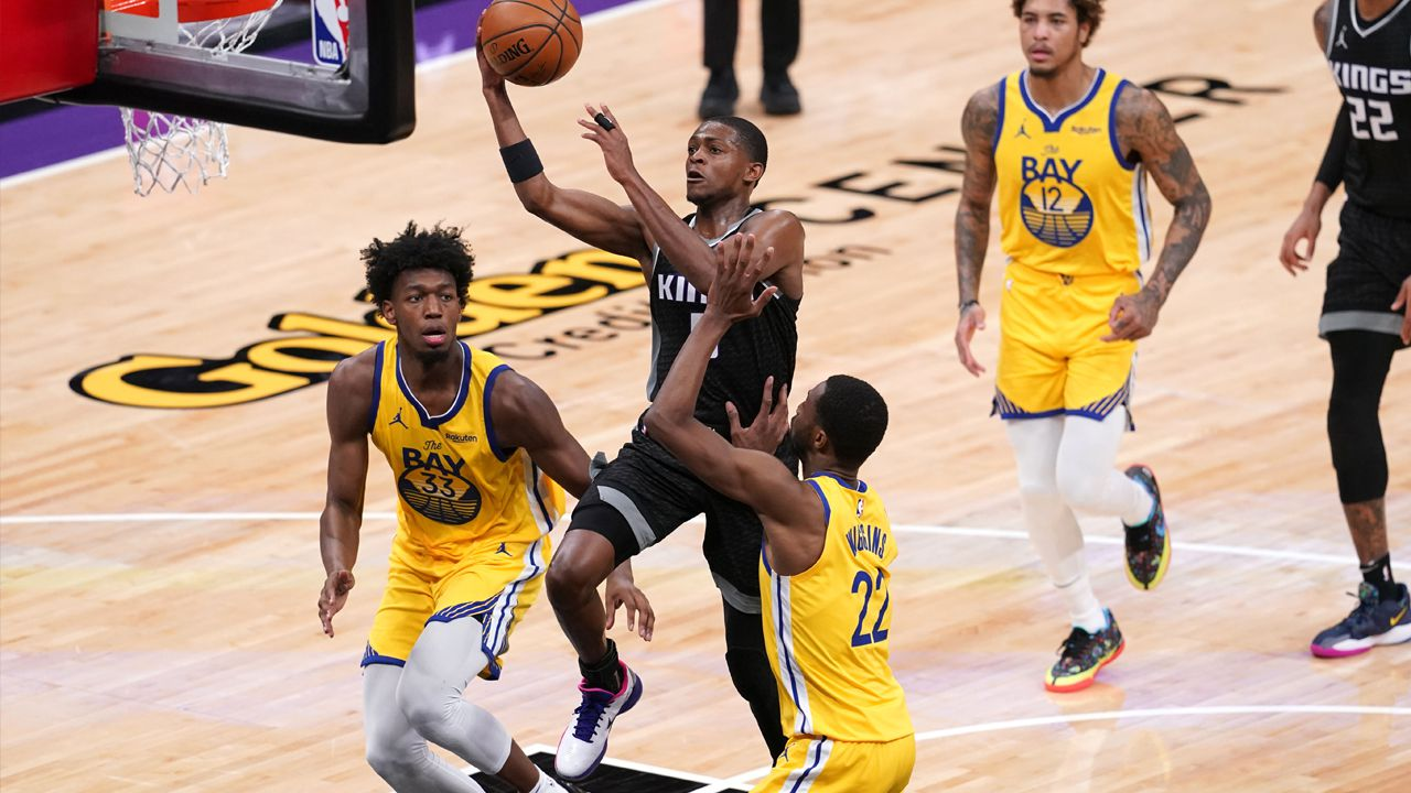 Le meneur des Sacramento Kings De'Aaron Fox a vécu une soirée record (44 points) face aux Golden State Warriors.