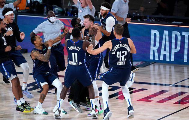 Un Luka Doncic héroïque achève les Clippers au buzzer de la prolongation (43 points, 17 rebonds et 13 passes décisives)