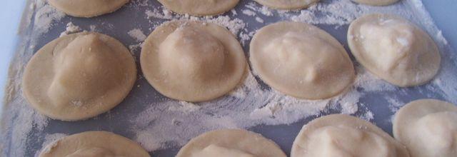 Ravioles de camembert à l'émulsion de persil