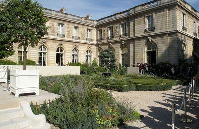 À l'Élysée, le couple Macron paie lui-même la taxe d'habitation : vraiment ?