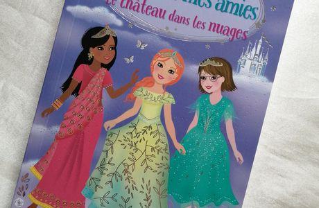 Livre : Mes histoires J'habille mes amies Le château dans les nuages des Editions Usborne