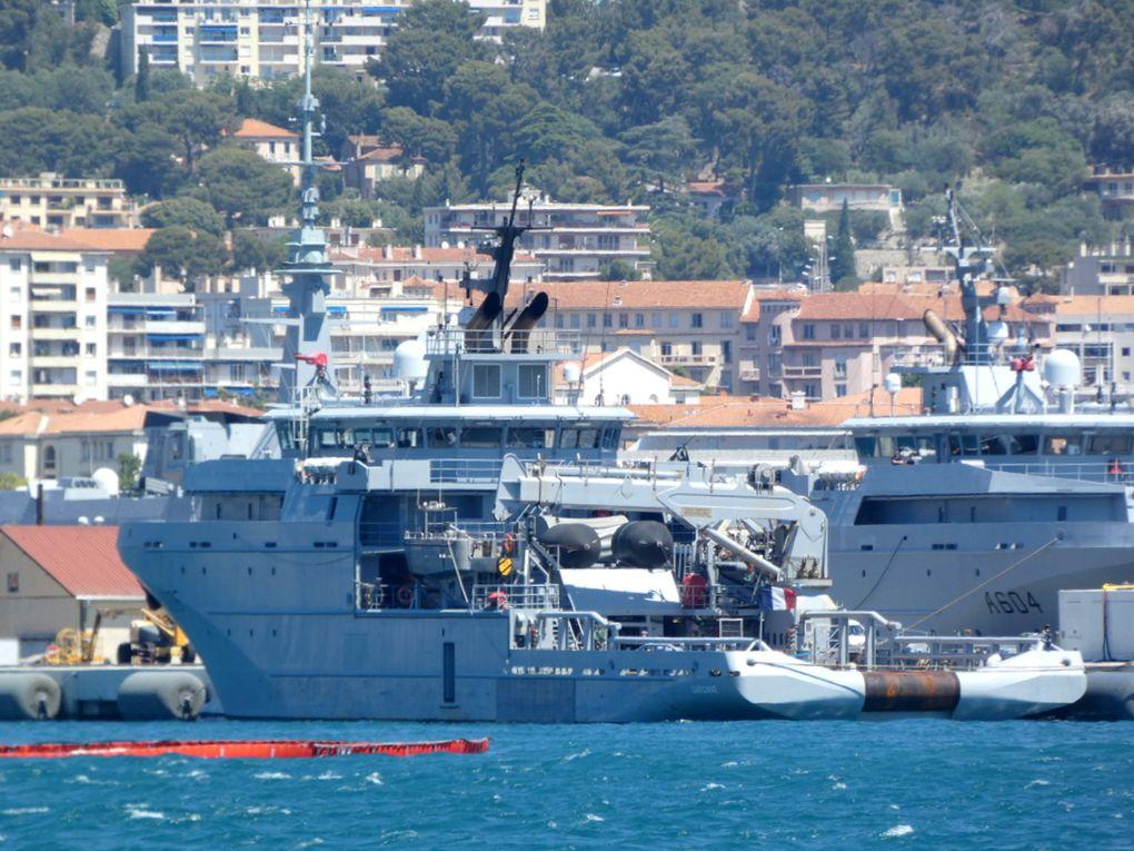 GARONNE , A 605 a quai dans la base navale de Toulon le 09 juillet 2021