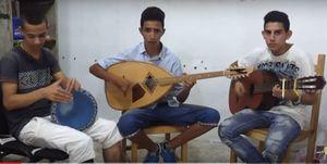 Le jeune Malik chante déjà parfaitement bien Matoub et El Hasnaoui!