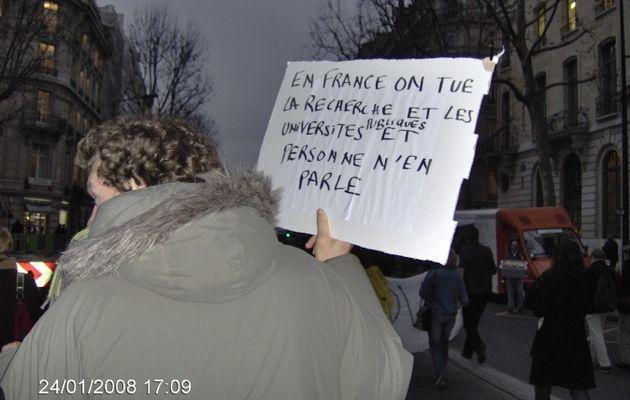 Il y a un an, les étudiants étaient dans la rue contre la LRU