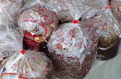 Cuisine russe : koulitch du monastère Danilov à Moscou