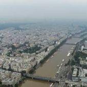 """Inondations: Valls annonce un """"fonds d'extrême urgence"""""""