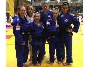 La sélections française pour l'European Cup de Zagreb (Emma en - 52kgs et a gauche sur la photo)