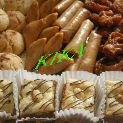 Surtidos de kika: chubbakia, briwat, ghuriba ( bahla), y baklawa