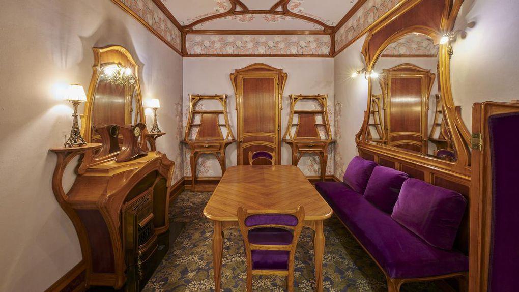Paris Montmartre - Belle époque - décor du café de Paris - chambre de Proust