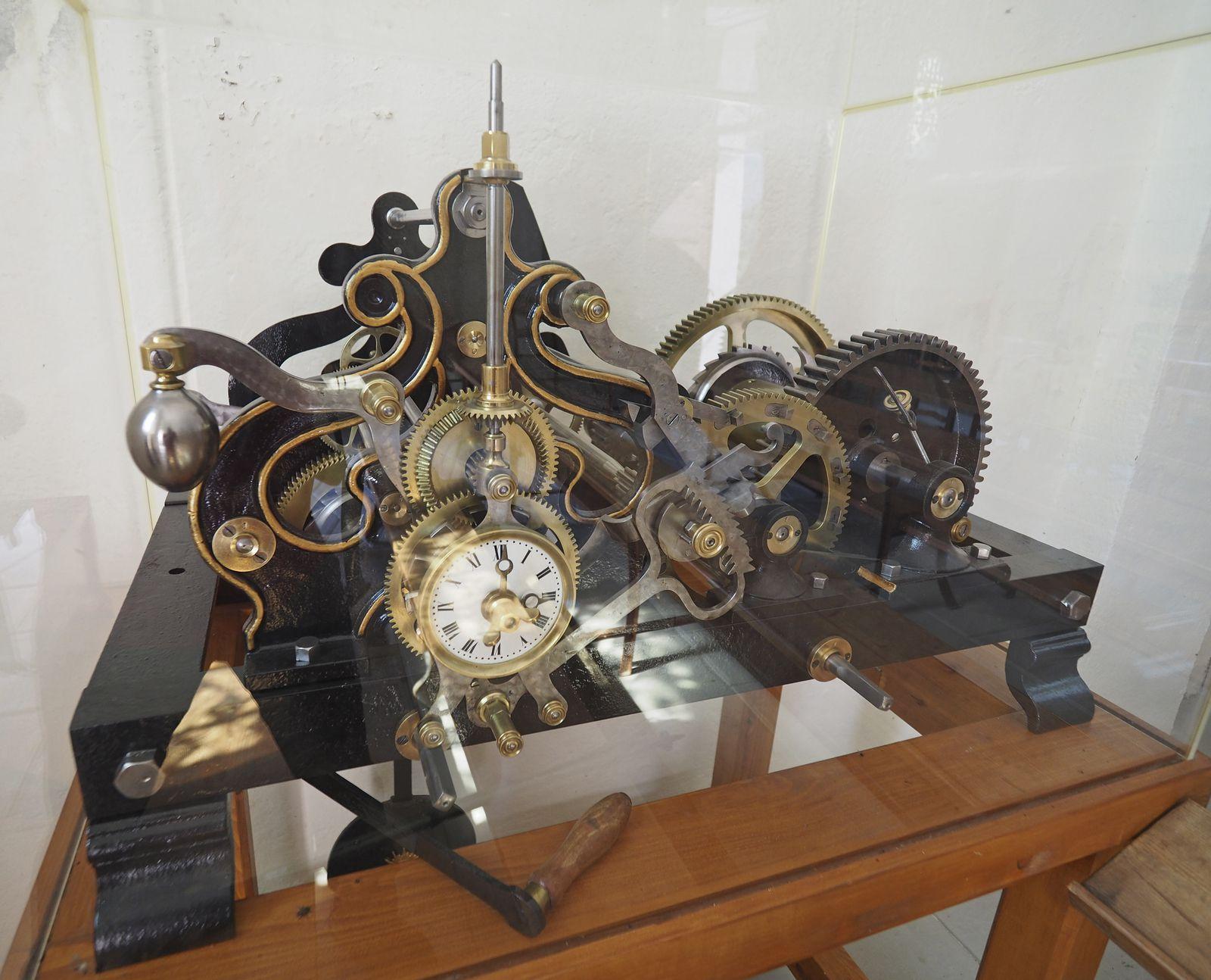 À l'intérieur de l'église est exposé ce mécanisme d'une horloge qui a dû avoir ses heures de gloire.