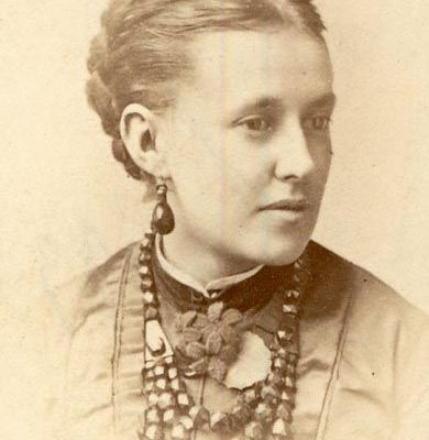 The Lady with the Necklace