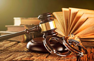 Criminal Defense Lawyer Or Fair Judgment And Legal Advice