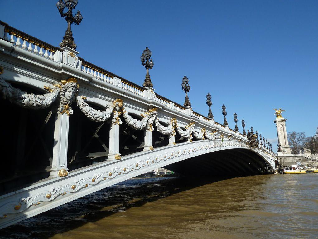 Berges de Seine rive gauche, le Grand Palais, le pont Alexandre III, place de la Concorde.
