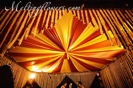 How To Get Most Exclusive Wedding/ Reception Stage Decorations?