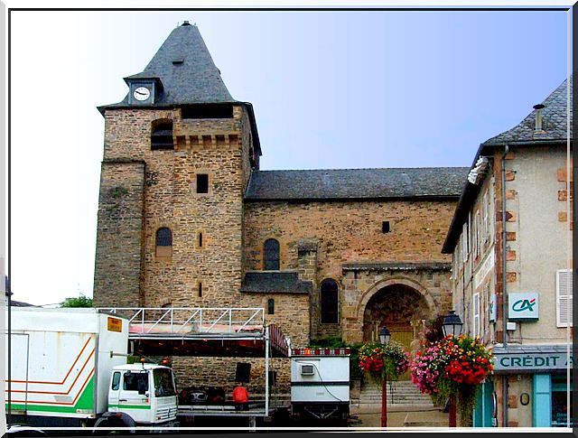 Diaporama église fortifiée d'Allassac