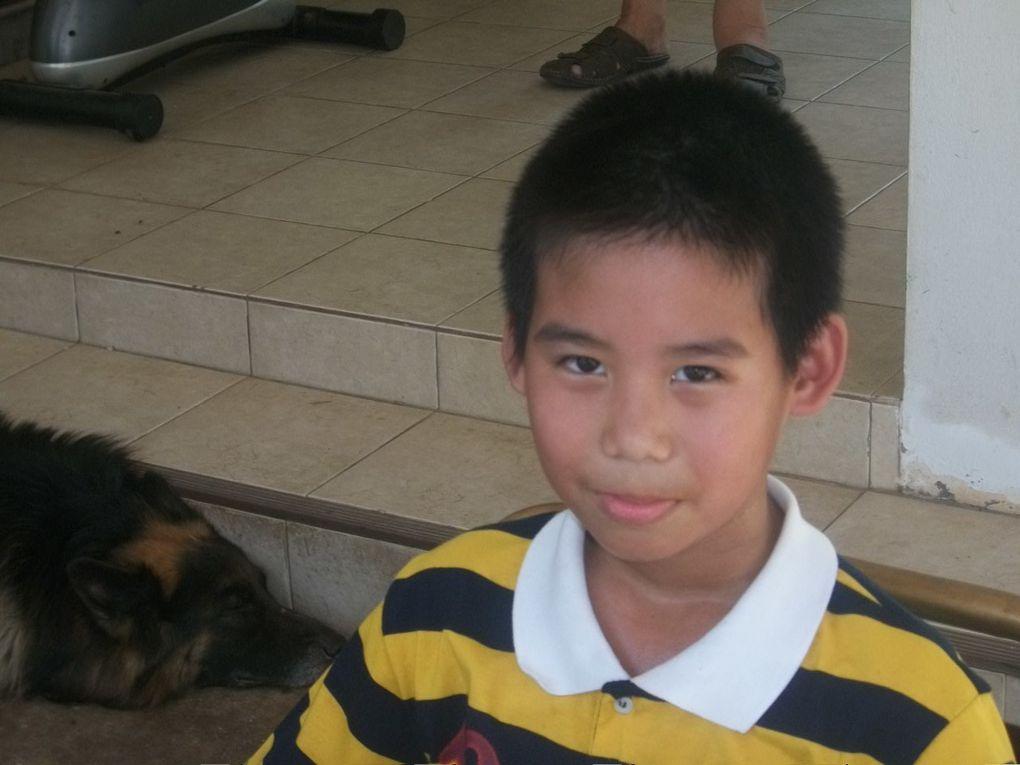 Thaïlande : Alex fête ses 8 ans avec ses amis