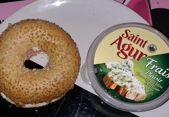 Bagel saumon Saint Agur.