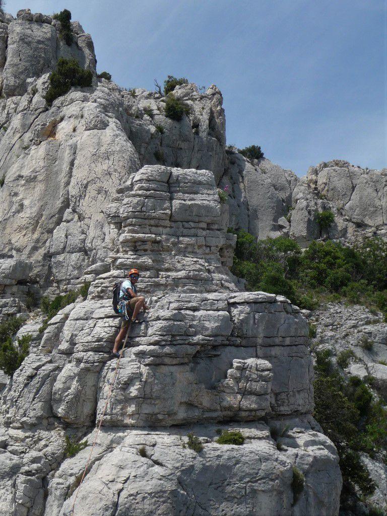 """l'avant-dernière longueur sur des gendarmes de calcaire stratifié façon """"el torcal"""""""