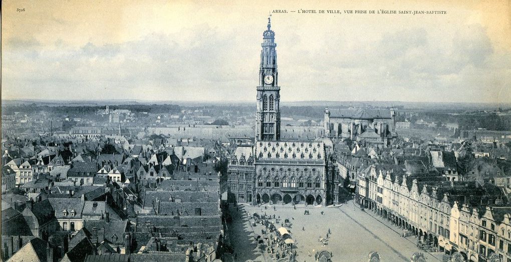 Les places avant le conflit. Carte panorama. (archives municipales)