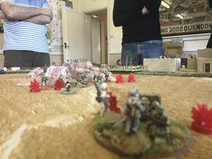 Pertes élevées et au final un général qui saute chez les alliés sur une série de mauvais lancé de dés...c'est l'effet campagne :-)