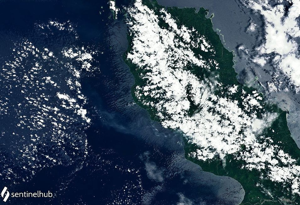Bagana - the bluish arc of sulfur dioxide is visible on the left - image Sentinel-2 bands4,3,2 from 24.10.2021