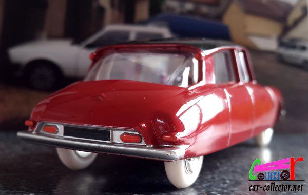 coffret-collector-dinky-toys-salon-de-paris-reedition-atlas-citroen-ds-19