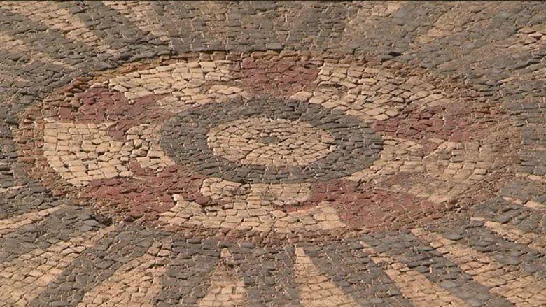 Gard: Une mosaïque romaine d'exception découverte à Uzès (photos)