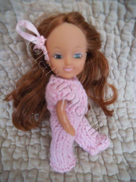 tuto gratuit petite poupée: ensemble pantalon rose