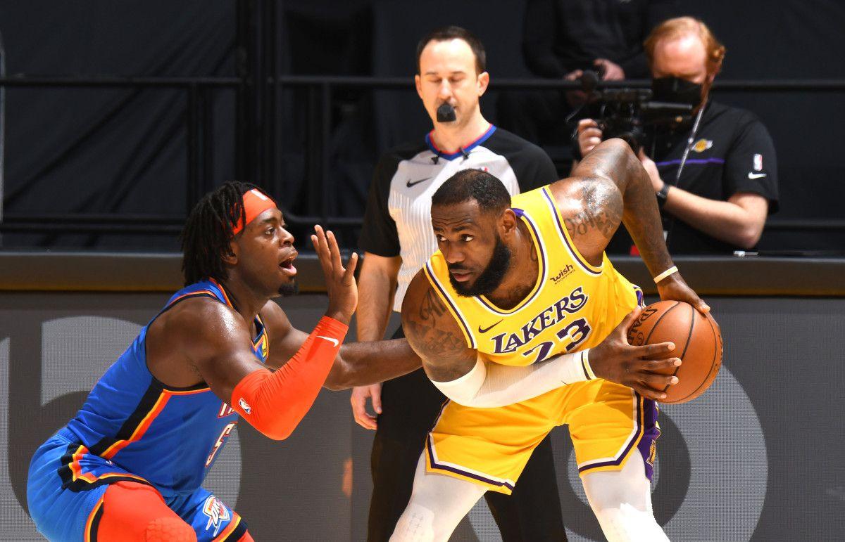 Les Lakers s'imposent encore dans la douleur après prolongation